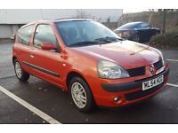 2004 Renault Clio Extreme 1.2 16v Petrol - Cheap to run and insure!