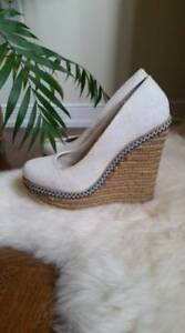 Spring White Wedges - Size 7.5