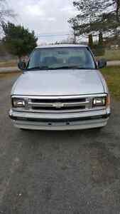 1995 Chevrolet S-10 Pickup Truck