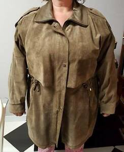 Beautiful Ladies Suede Coat / Jacket (2X / 3X)
