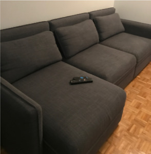 Extremely new couch for sale (very confortable)