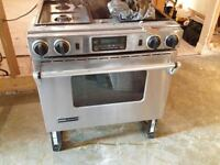 """Jenn-Air Gas (Dual Fuel) Stainless 30"""" Stove with Downdraft!"""