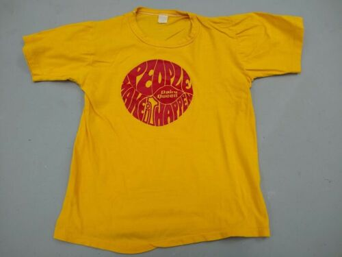 """Vintage 1970s 1980s Dairy Queen """"People Make It Happen"""" T-shirt medium"""