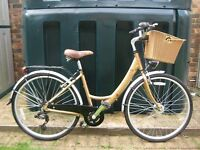 Dawes Continential ladies bike with basket. Seven gears and in very good condition.