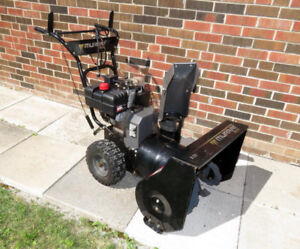 SNOWTHROWER    24 inch  8Hp