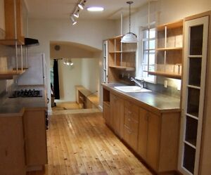 ROOM AVAILABLE - QUEEN'S STUDENT