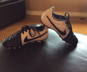 Nike Tiempo Rio 2 FG Kids' Outdoor Soccer shoes size 12
