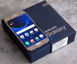 In the box Unlocked Samsung Galaxy S7 with Lifeproof case