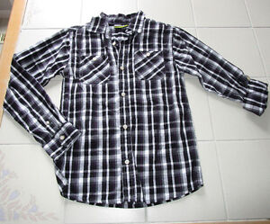 Boys button up dress shirt in size 12 *NEW