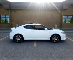 Toyota Scion TC 2014 price to sell very low kms very clean