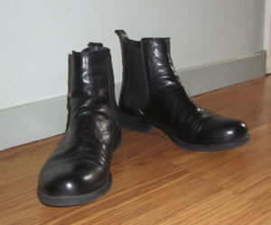 Ladies Black Leather Chelsea Boots