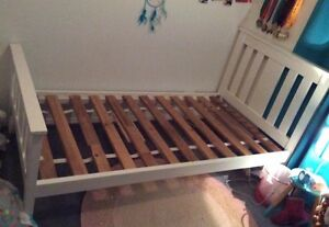 Girls solid timber single bed Oakey Toowoomba Surrounds Preview