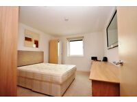 Modern 1 Bedroom Flat-Parking- No Bills Included- Available Now Furnished/Unfurnished Brentford TW8