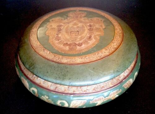 Chinese Oriental Accents Porcelain Lidded Container. Geen & Gold. Handsom Piece