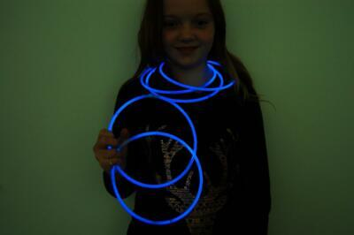 DirectGlow 100ct Blue 22 inch Glow Necklaces with Preattached Connectors