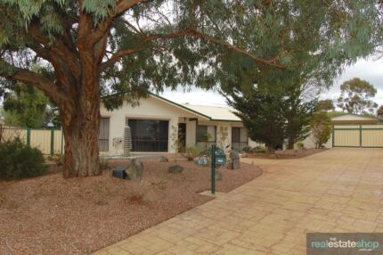 A TOTAL RENOVATION OF THE HIGHEST QUALITY Isabella Plains Tuggeranong Preview