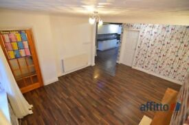 3 bedroom house in Burleigh Avenue, Wigston, Leicester