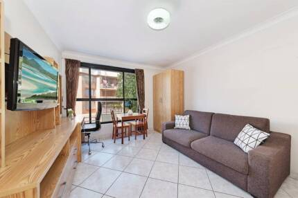 GREAT STUDIO AVAILABLE NOW IN BONDI BEACH