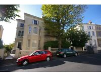 Buckingham Road - Stunning 1 bed flat - 5 minutes from BTN train station