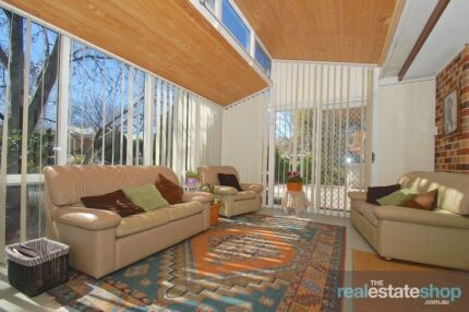 BEAUTIFULLY PRESENTED TOWNHOUSE Calwell Tuggeranong Preview
