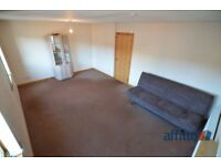 3 bedroom flat in High Street, Cowdenbeath