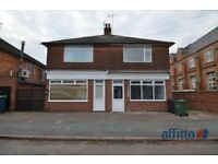 2 bedroom flat in Melton Road, Thurmaston Village, Leicester