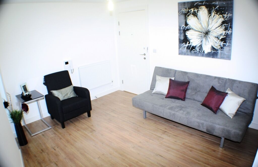 WOW!!! 2 Bed In The Silkworks - Dont' Miss it - 2 Bed 2 Bath - Gym Included! MOVE IN FOR CHRISTMAS