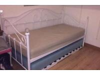 Day bed(Single beds)