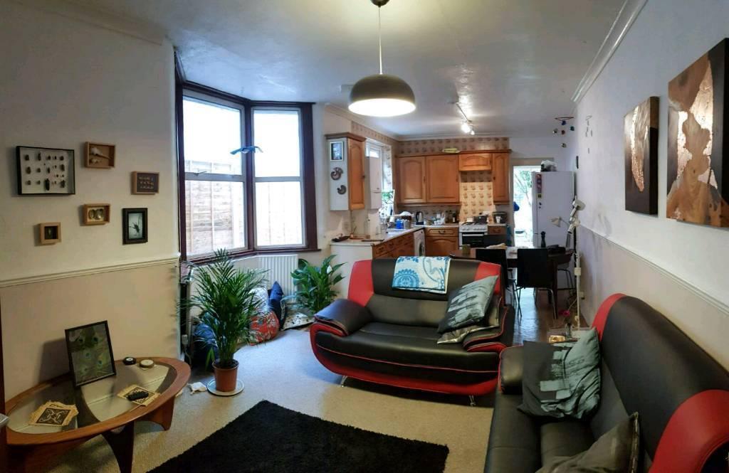 Double bedroom in shared 2bed garden flat