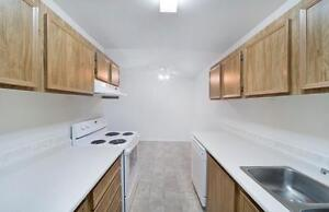 1 & 2 BEDROOM BLOWOUT - Affordable Suites Close to Schools