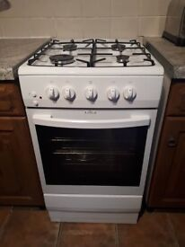 Freestanding gas cooker and oven with hose for sale £50