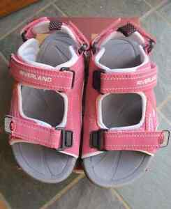 Brand new girl sandals size 10 (27)