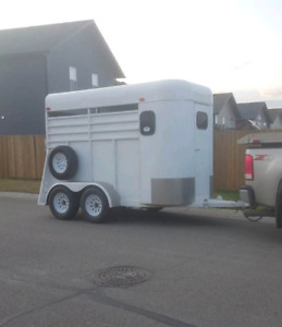 Horse trailer rental $80/day  $160/3 day weekend