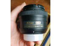 Nikon AF Nikkor 35mm 1.8G camera lens barely used