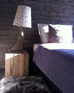 2 Magnifiques tables de chevet/2 Gorgeous bedside tables