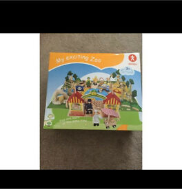 Wooden toys zoo