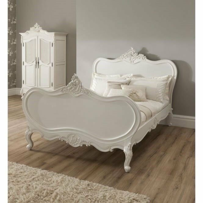 Stunning Kingsize French Chateaux Bedstead in Off-White