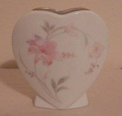 """Heart Shaped Porcelain Flower Vase Japan Pink Gold Rim 4"""" x 4"""""""