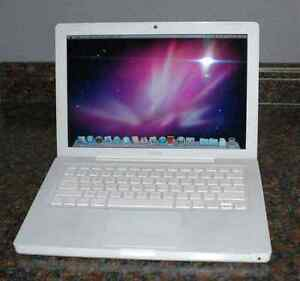 Macbook White 2008 / 500GB HDD / Office Toorak Stonnington Area Preview