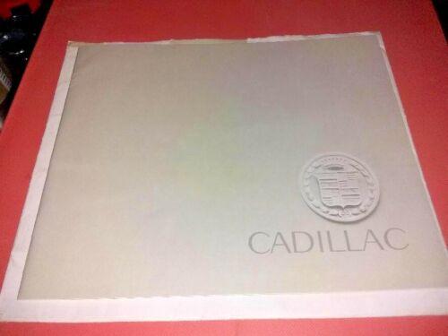 "Cadillac 1962 Full Line Sales Brochure w/Original ENVELOPE, 9.5"" X 8"""