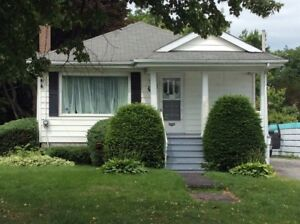 Central Kingston 2 Bed, 1.5 Bath Single Home Oct.1 $1350.Plus