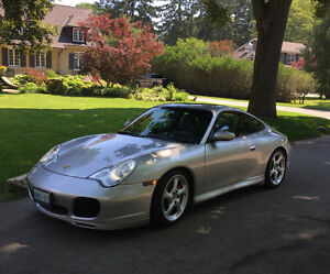 2004 Porsche 911 C4S Coupe (2 door)