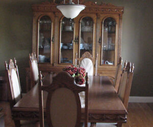 Solid Oak Dining Table and Buffet Hutch