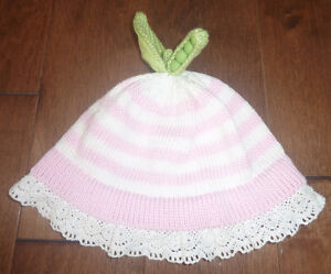 Very cute handmade pea-in-a-pod hat size 6 - 12m