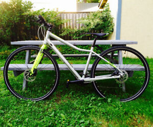 Almost new Urban bike for sale