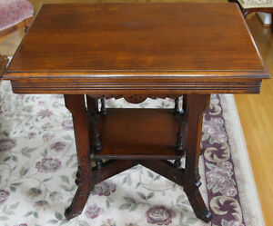 Rectangular Victorian parlour table, Eastlake style