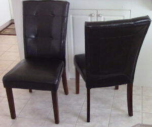 Bar Height Dining Room Table 4 Chairs A Steal At 100