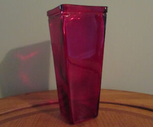 Red Flower Vase - See our other ads Windsor Region Ontario image 1