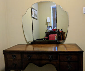 Antique vanity dressing table, with mirror