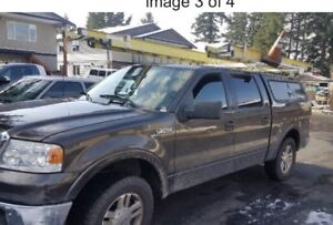 2006 Ford Lariat 150 4x4 loaded , Capít canopy ( low kms!!!!!)